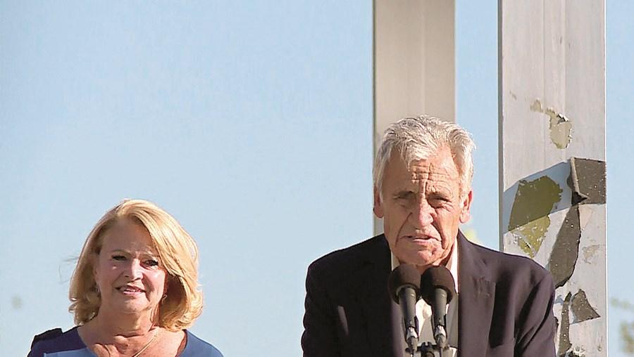 Jerónimo de Sousa, líder do PCP, foi dar apoio à candidata da CDU a Almada, Maria das Dores Meira