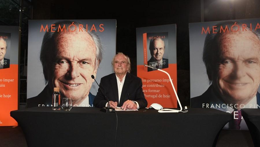 Francisco Pinto Balsemão na apresentação do seu livro