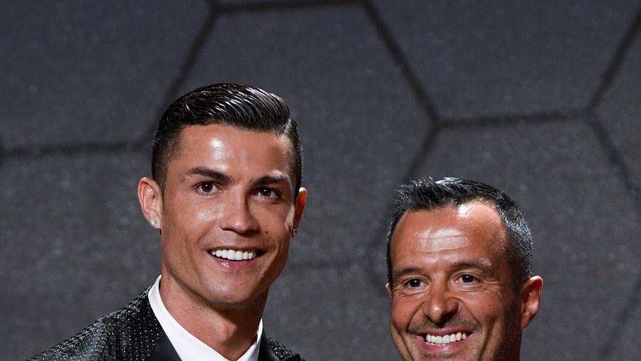 Cristiano Ronaldo e Jorge Mendes foram enganados entre 2007 e 2010