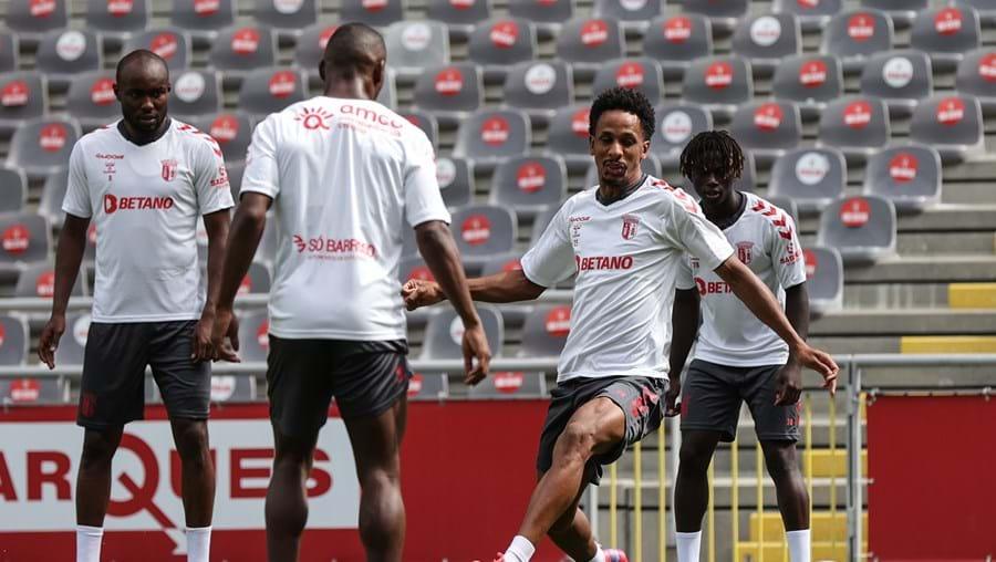 Jogadores do Sp. Braga foram surpreendidos quando treinavam