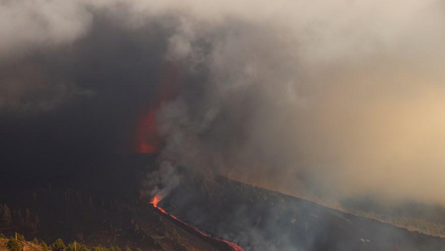 Erupção de um vulcão em La Palma, na Ilha das Canárias