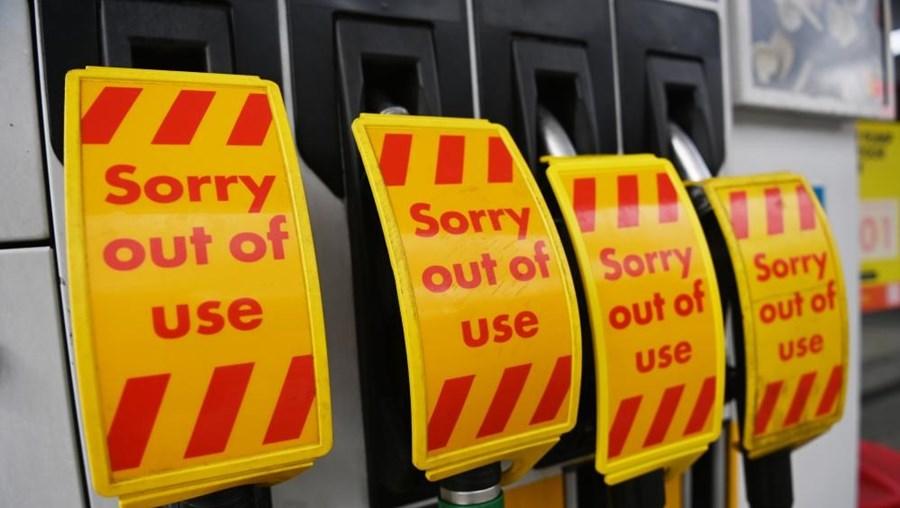 Postos de combustível fora de serviço no Reino Unido