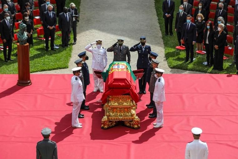 Lágrimas e emoção no último adeus a Jorge Sampaio, o homem que 'nunca quis ser herói, mas foi'