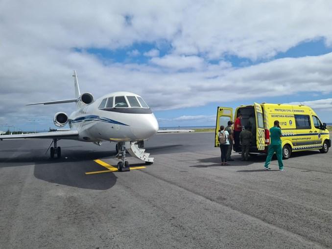 Força Aérea transportou de urgência um bebé de oito meses e uma criança de três anos