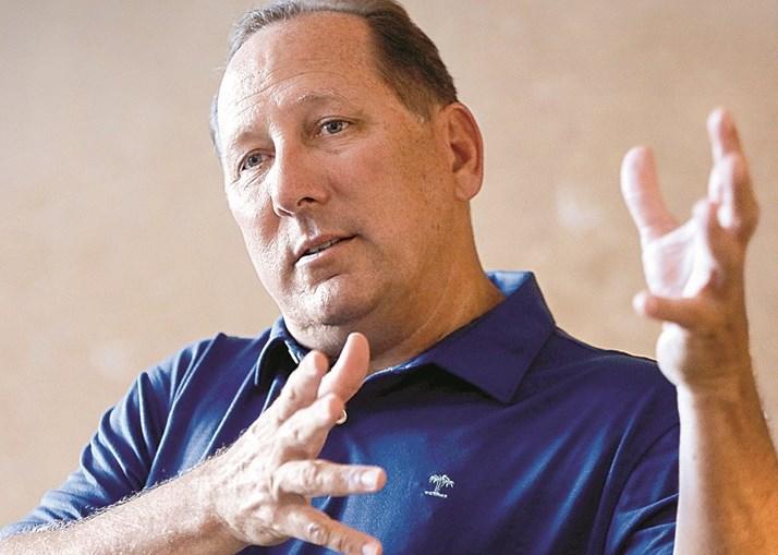 John Textor, investidor norte-americano