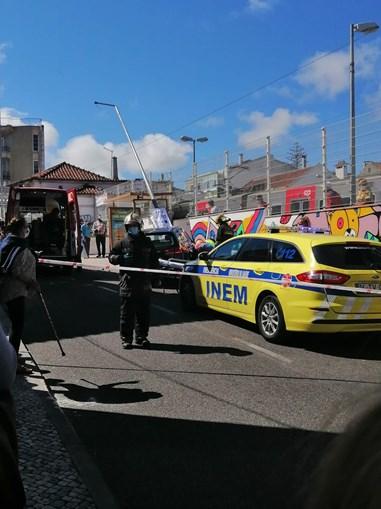 Condutor despista-se e atropela mulher em Algueirão-Mem Martins
