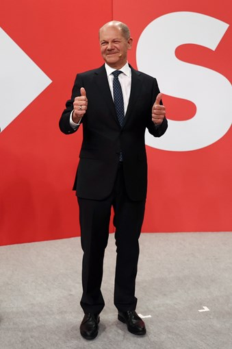 Olaf Scholz reclamou vitória clara e o direito a liderar o próximo executivo