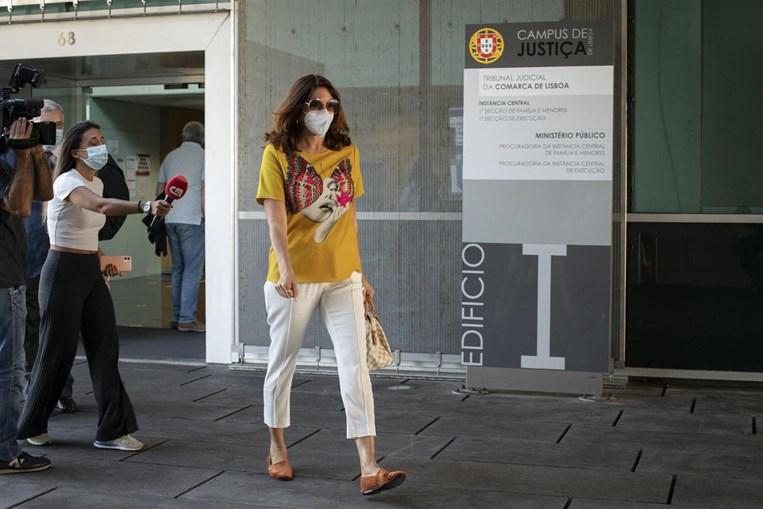 Bárbara Guimarães em tribunal