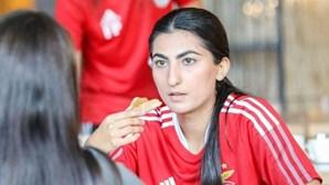 Equipa feminina afegã reencontra a alegria do futebol em Portugal