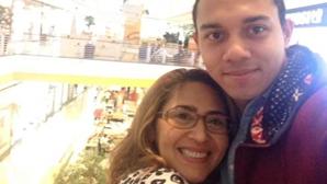 Adotado da IURD que matou a mãe com 20 facadas absolvido de homicídio devido a esquizofrenia