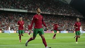Ronaldo ultrapassa 800 golos como profissional com 'hat-trick' ao Luxemburgo
