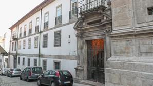 Animador de casamentos que raptou e atacou prima da noiva no Porto condenado a seis anos de prisão