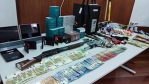 PSP detém gang responsável por 34 assaltos a bombas de gasolina e cafés no Norte e Centro do País