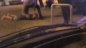 """""""Disseram que me iam cortar aos pedaços"""": Terror em Cacilhas após dona de bar recusar venda de álcool"""