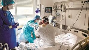 Metade dos novos médicos em Portugal fogem do Serviço Nacional de Saúde
