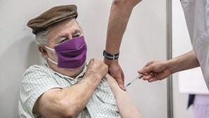 Vacinas contra Covid-19 e gripe podem ser tomadas ao mesmo tempo