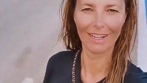Cristina Ferreira mostra-se sem maquilhagem e cabelo ao natural após mergulho na Ericeira
