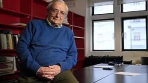 Fernando Rosas alerta que radicalização da direita tradicional pode substituir a extrema-direita