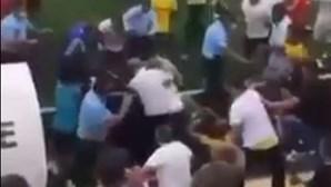 PSP dispara para o ar para travar pancadaria que envolveu adeptos e jogadores em jogo entre o Montijo e Vitória B