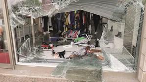 """""""Se eu não conseguisse fugir eles matavam-me"""": Dupla instala terror ao assaltar loja em Paredes"""