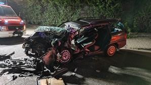 Violenta colisão frontal faz dois mortos em Santa Maria da Feira