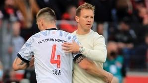 Treinador do Bayern sente-se mal e não vai estar no banco no jogo frente ao Benfica