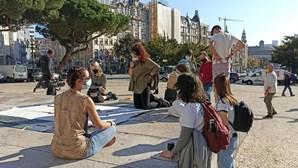 Estudantes no Porto alertam que medidas de combate às alterações climáticas são insuficientes