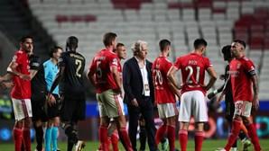 """Jesus admite """"momento mais difícil da época"""" para o Benfica"""