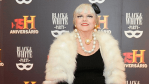 Paula Bobone desiste das festas e leiloa guarda-roupa
