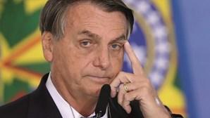 Redes sociais retiram vídeo de Bolsonaro com mentiras