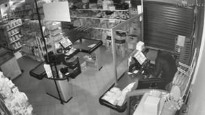 Imagens de videovigilância mostram assalto a supermercado em Famalicão