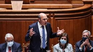 Esquerda acusa Governo de falta de respostas para os problemas do País e direita assume fim da geringonça