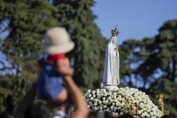 13 de Outubro: Devoção, fé e esperança no Santuário de Fátima. Veja as imagens