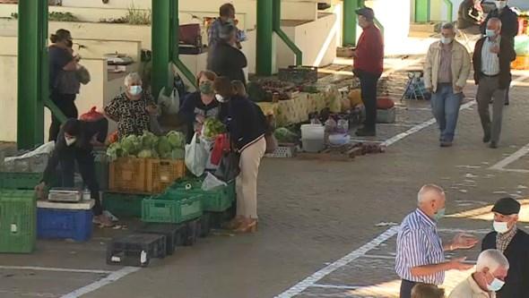 Comerciantes do mercado de Mirandela exigem a retirada de telhado de amianto