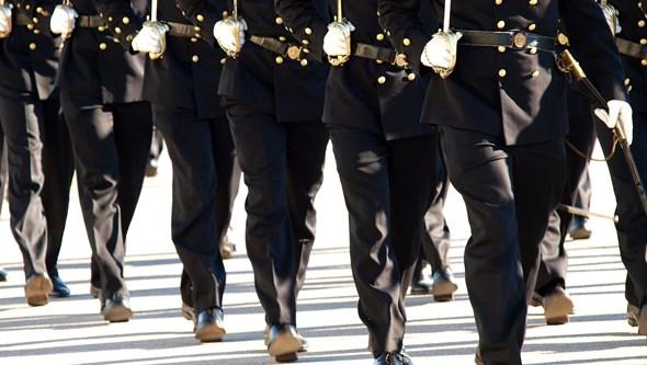 Marinha investiga praxes violentas na Escola Naval