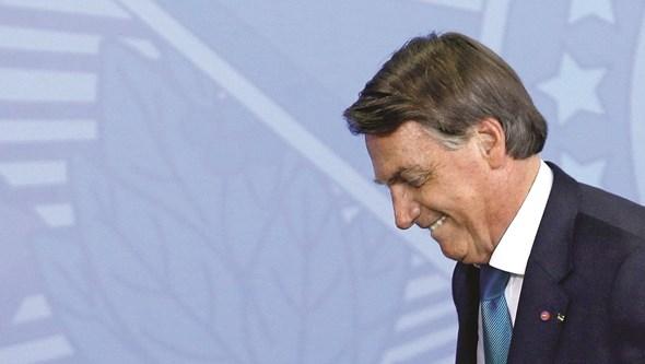 Comissão deixa cair acusação de homicídio em massa contra Bolsonaro