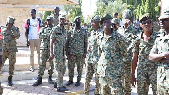 Governo do Sudão afirma que forças armadas estão a disparar contra manifestantes