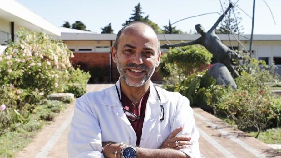 Jorge Jacinto, é o responsável pela consulta de recuperação de doentes de covid-19, no Centro de Recuperação de Alcoitão, em Cascais