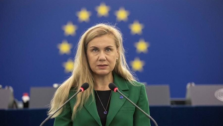 """Aumento dos preços da energia """"é uma séria preocupação para a União Europeia"""", diz a comissária do setor, Kadri Simson."""
