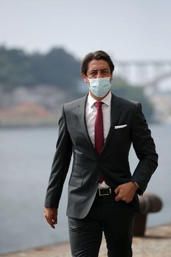 Rui Costa disse após a reunião que iria salvaguardar os interesses das águias nos direitos televisivos.
